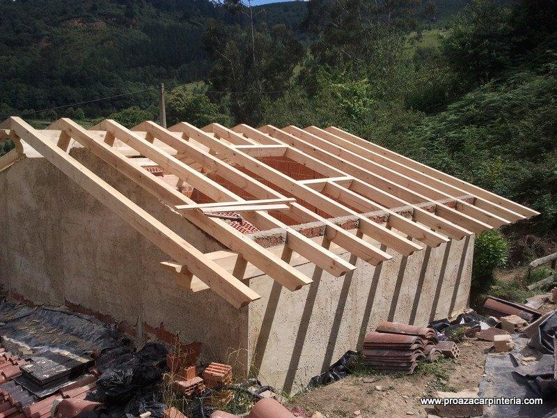 Tejados a tres aguas awesome porche a aguas con cubierta for Tejados de madera a cuatro aguas